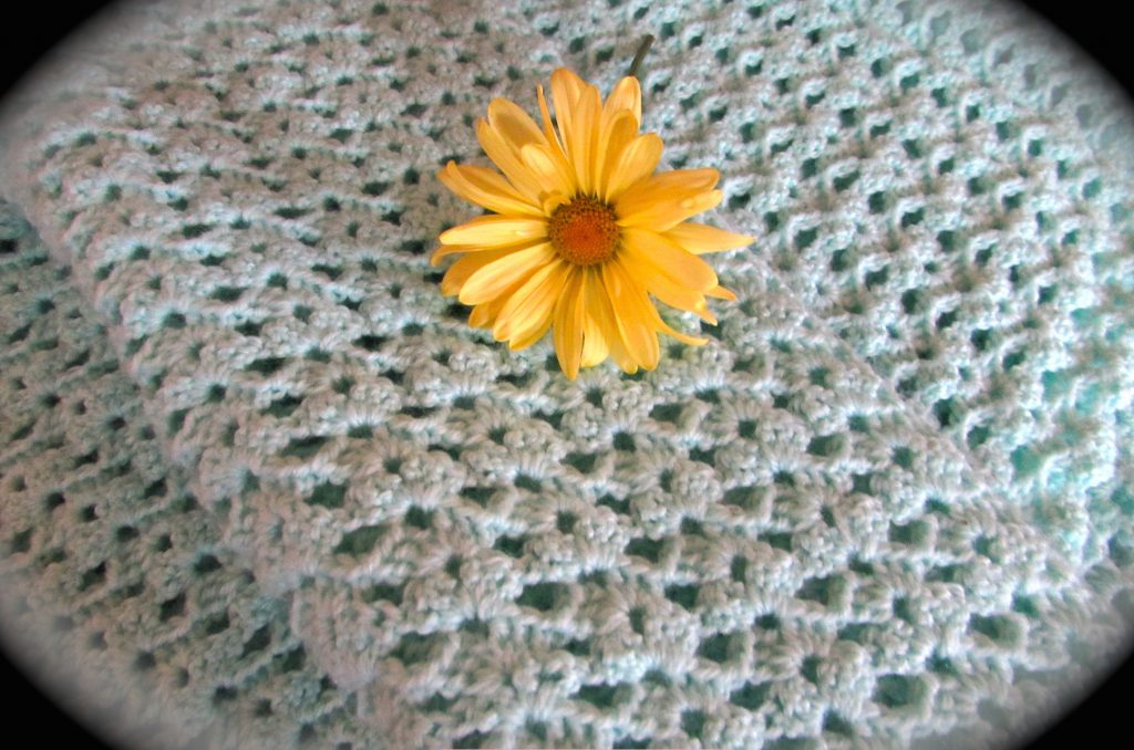 How To Crochet The Lacy Shell Stitch Itchin For Some Stitchin