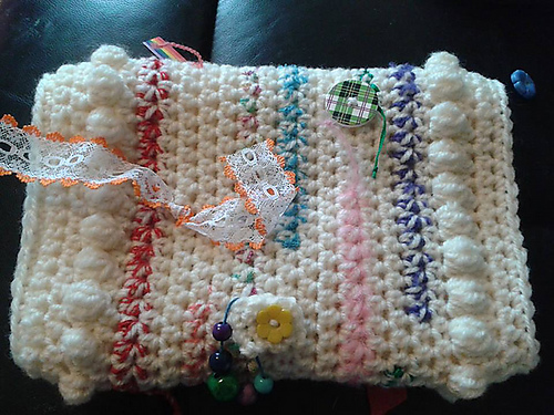 Crochet Twiddlemuff https://www.itchinforsomestitchin.com