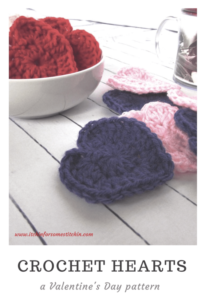How to Crochet Hearts by itchinforsomestitchin.com