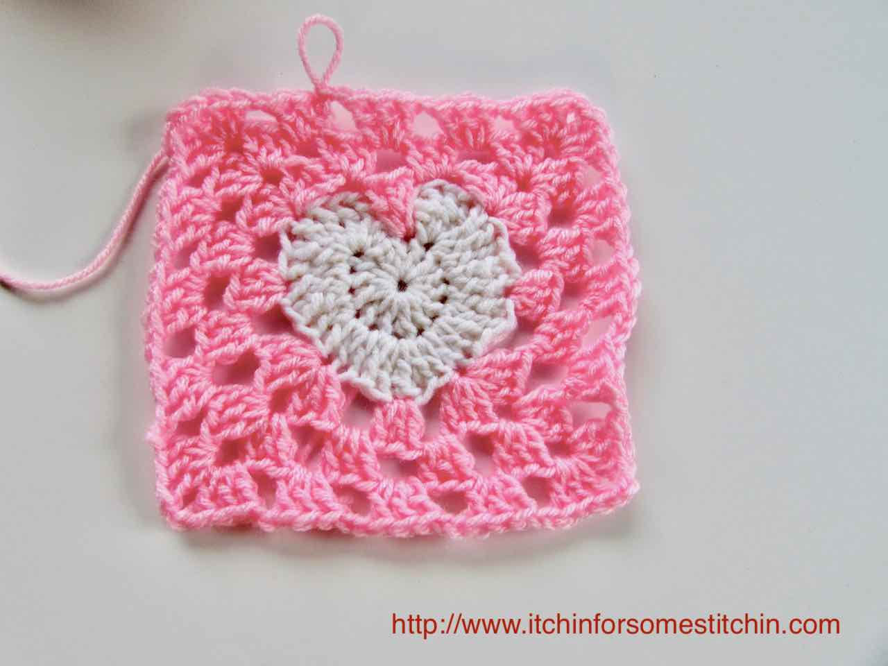How to crochet a Granny Heart Square tutorial by https://www.itchinforsomestitchin.com