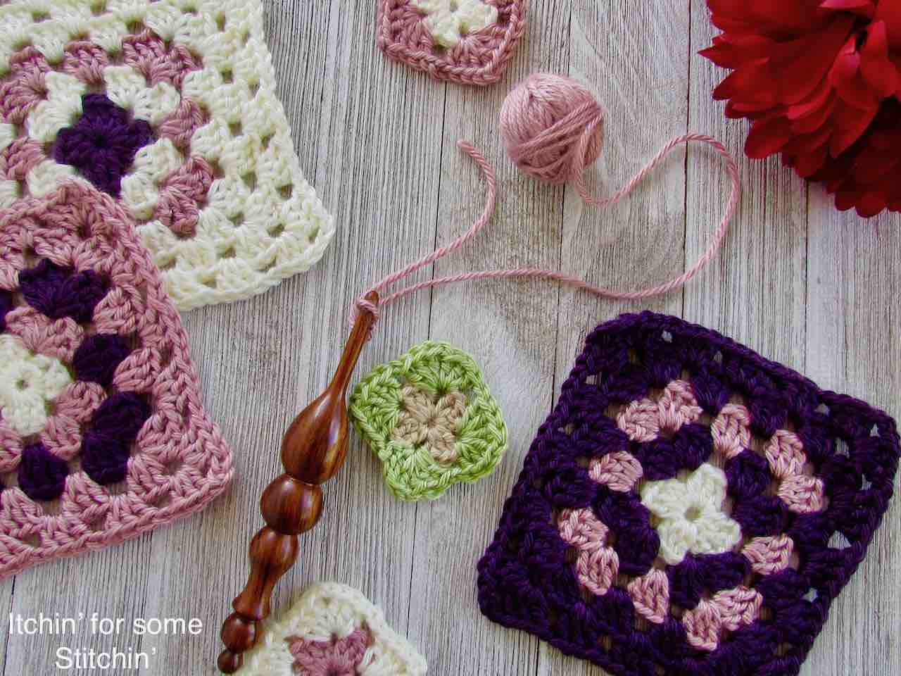 Classic Granny Squares Pattern by https://www.itchinforsomestitchin.com