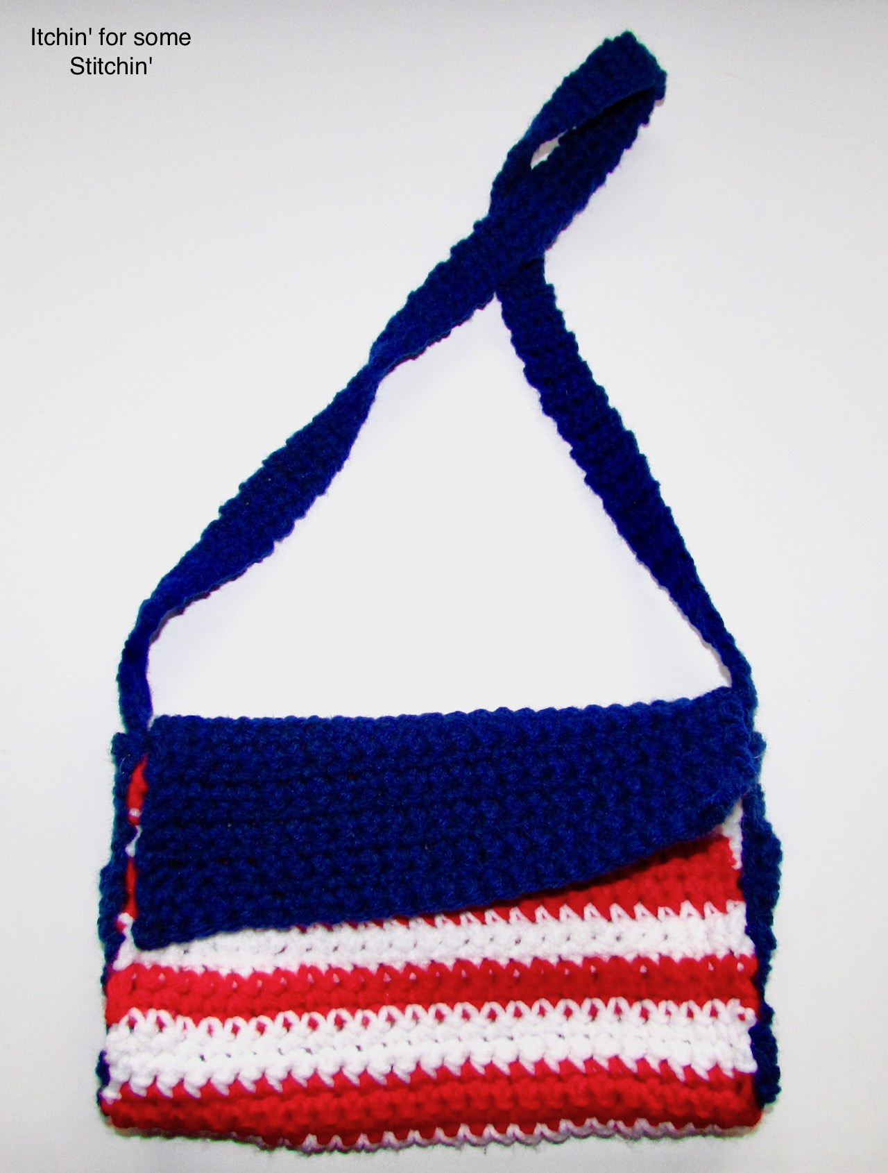 Crochet 4th of July Purse by www.itchinforsomestitchin.com