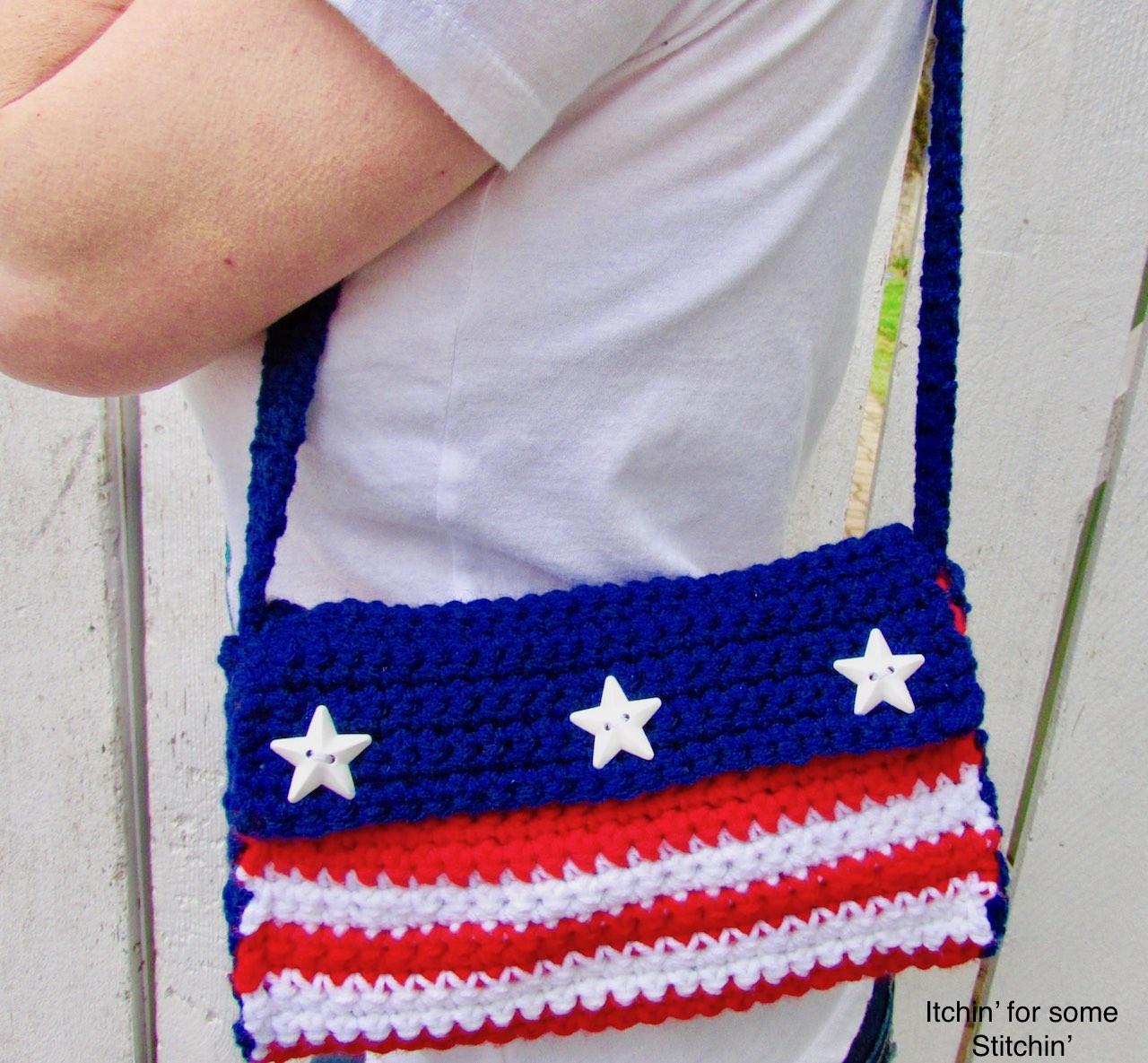 Crochet 4th of July Purse Pattern by www.itchinforsomestitchin.com