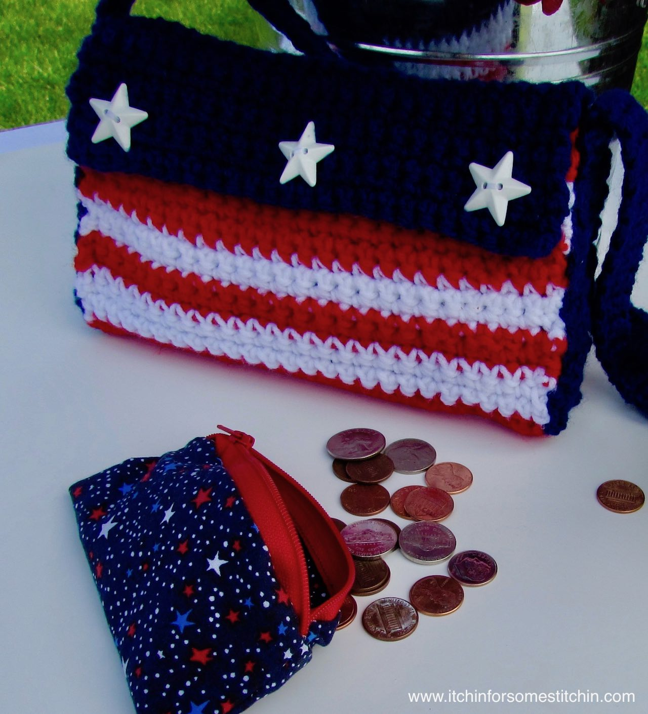Red, White, and Blue Zipper Pouch and Crochet 4th of July American Flag Purse by www.itchinforsomestitchin.com