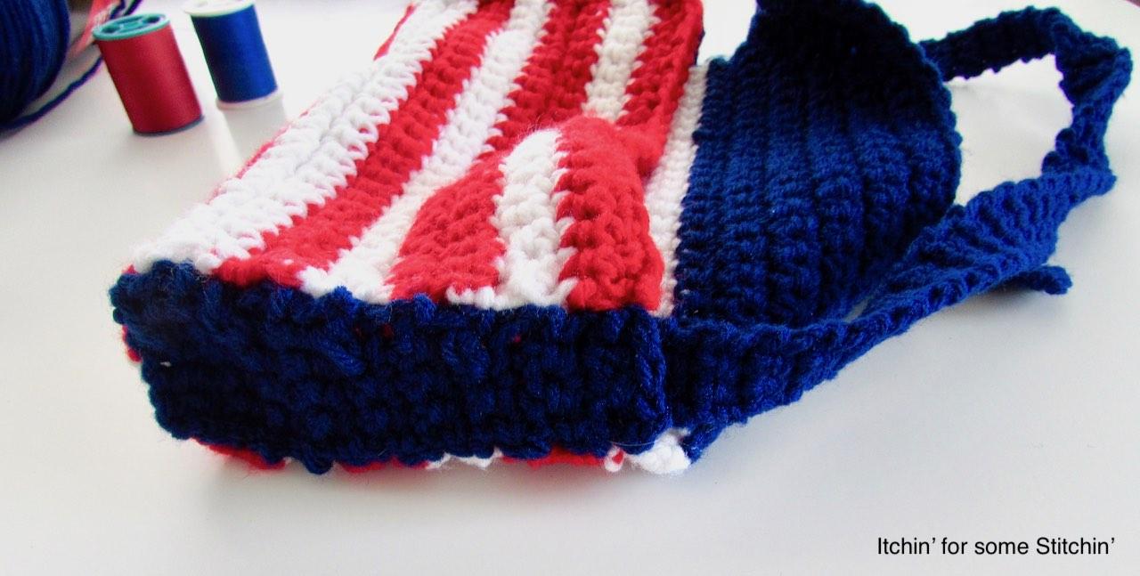 Crochet 4th of July Purse by www.itchinforsomestitchin.com