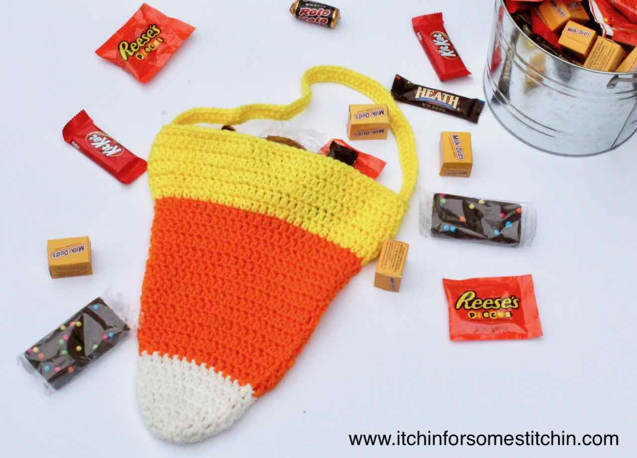 Crochet Candy Corn Bag Pattern by itchinforsomestitchin.com