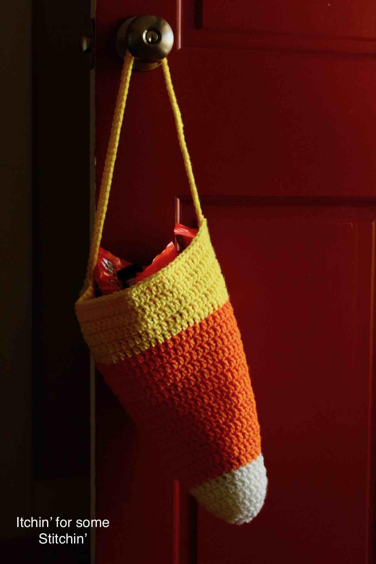 Crochet Halloween Candy Corn Bag Pattern by www.itchinforsomestitchin.com