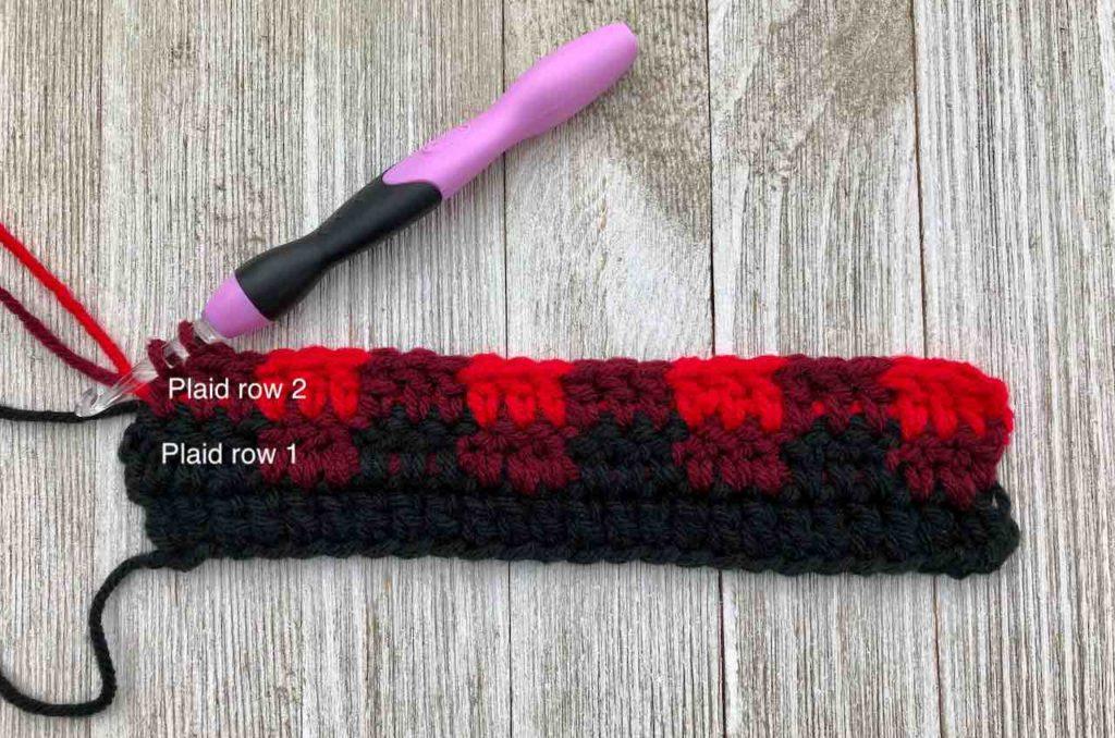 How to Crochet the Plaid Stitch by www.itchinforsomestitchin.com