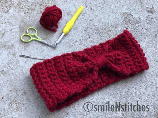 This chunky crochet ear warmer is beginner friendly and quick to whip up. It takes only 30 minutes or less to have a fun and fashionable head warmer you'll love to wear!