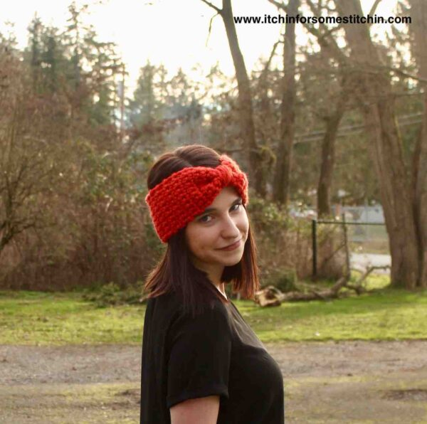 This chunky bowtie ear warmer is beginner friendly and a cinch to whip up. It's fun and fashionable to wear and takes less than 30 minutes to make!