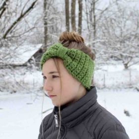 Chunky Bowtie Headband by itchinforsomestitchin.com
