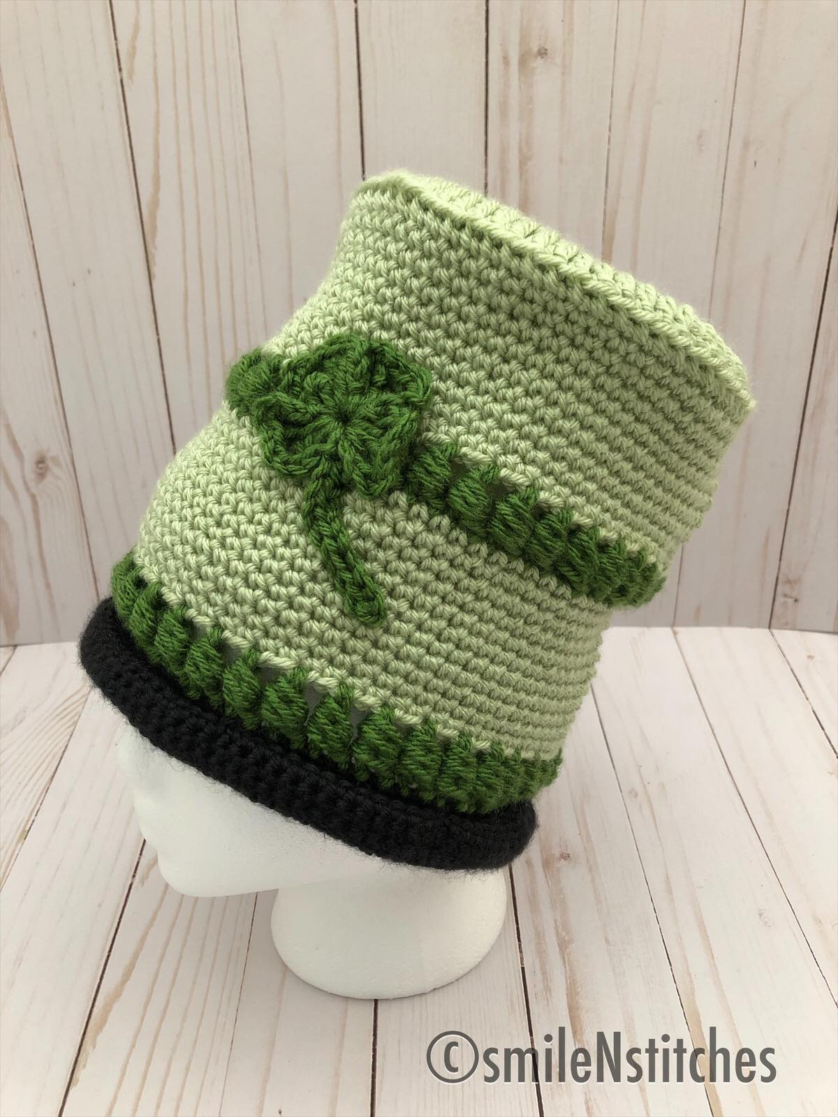 Easy Crochet Top Hat for St. Patrick's Day with Shamrock Appliqué by www.itchinforsomestitchin.com