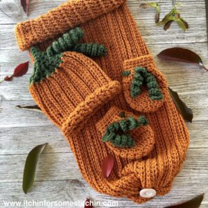 crochet pumpkin baby hat, mittens, and sleep sack by www.itchinforsomestitchin.com