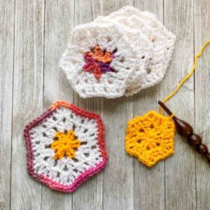 How to Crochet a Granny Hexagon by itchinforsomestitchin.com