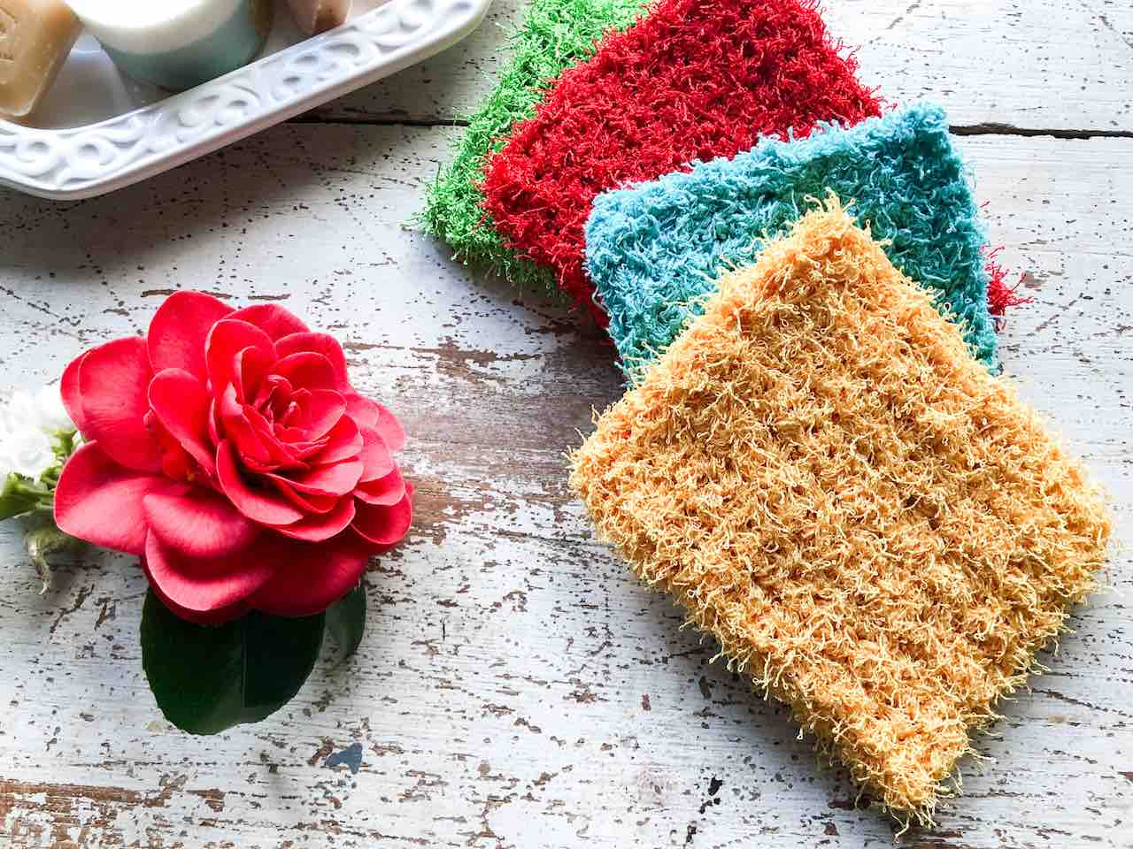 Big and Thick Crochet Dish Scrubby by itchinforsomestitchin.com