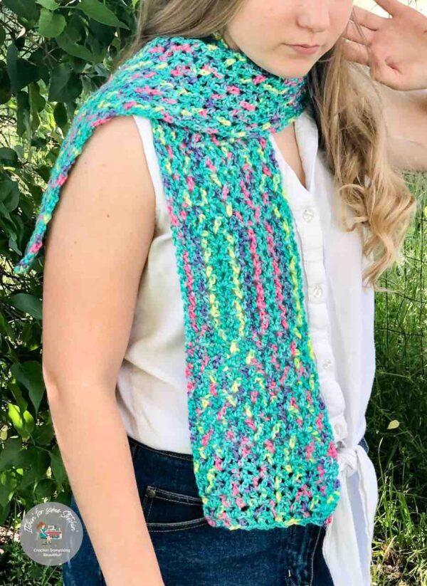 Easy Rope Stitch Crochet Scarf by itchinforosmestitchin.com