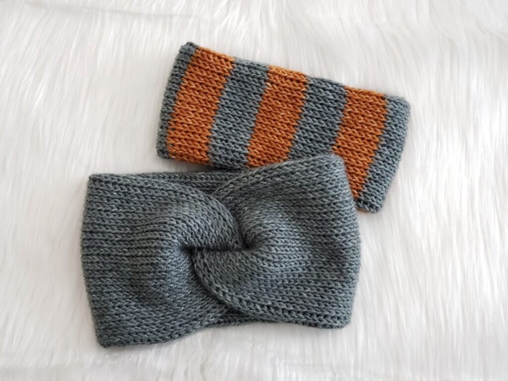ear warmers by itchinforsomestitchin.com
