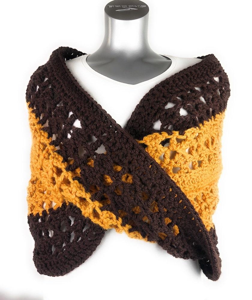 Crochet X-capade Mobius Wrap by itchinforsomestitchin.com