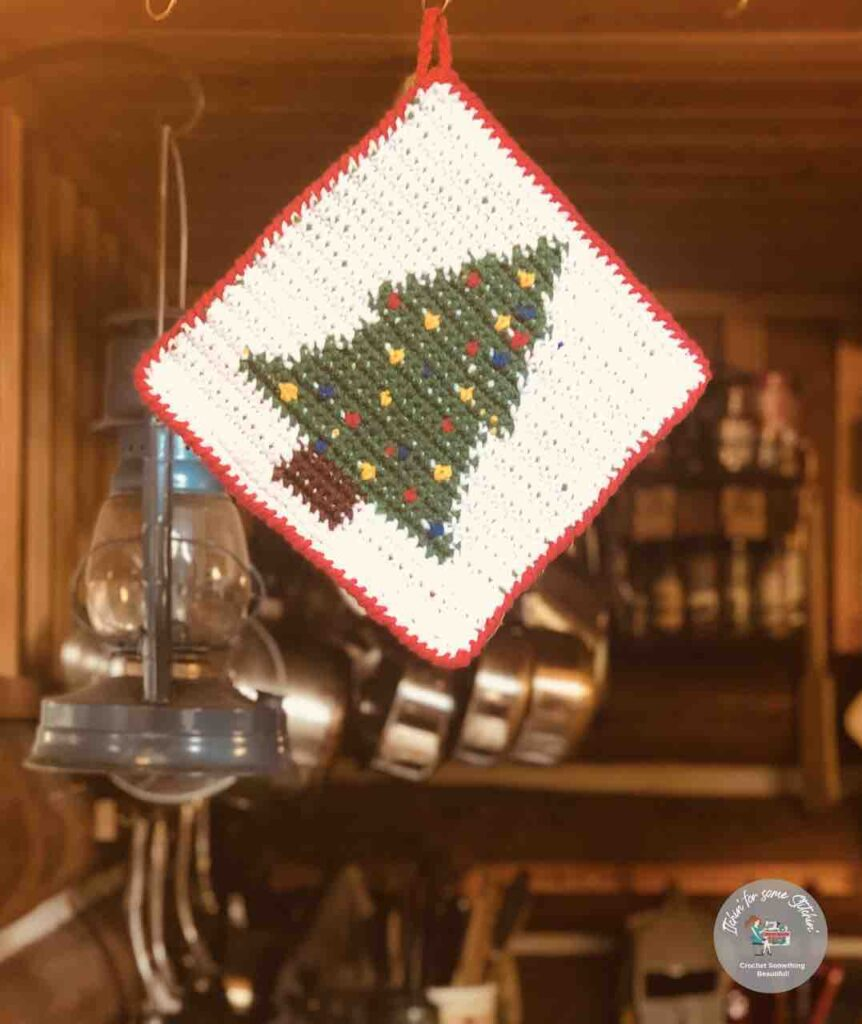 tapestry crochet Christmas tree potholder