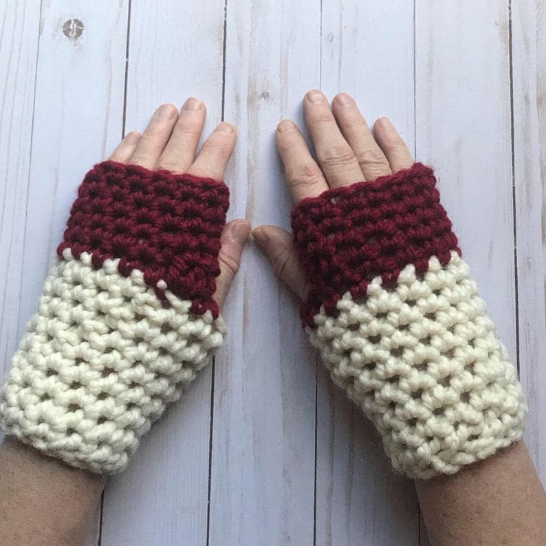 Crochet short and chunky fingerless gloves