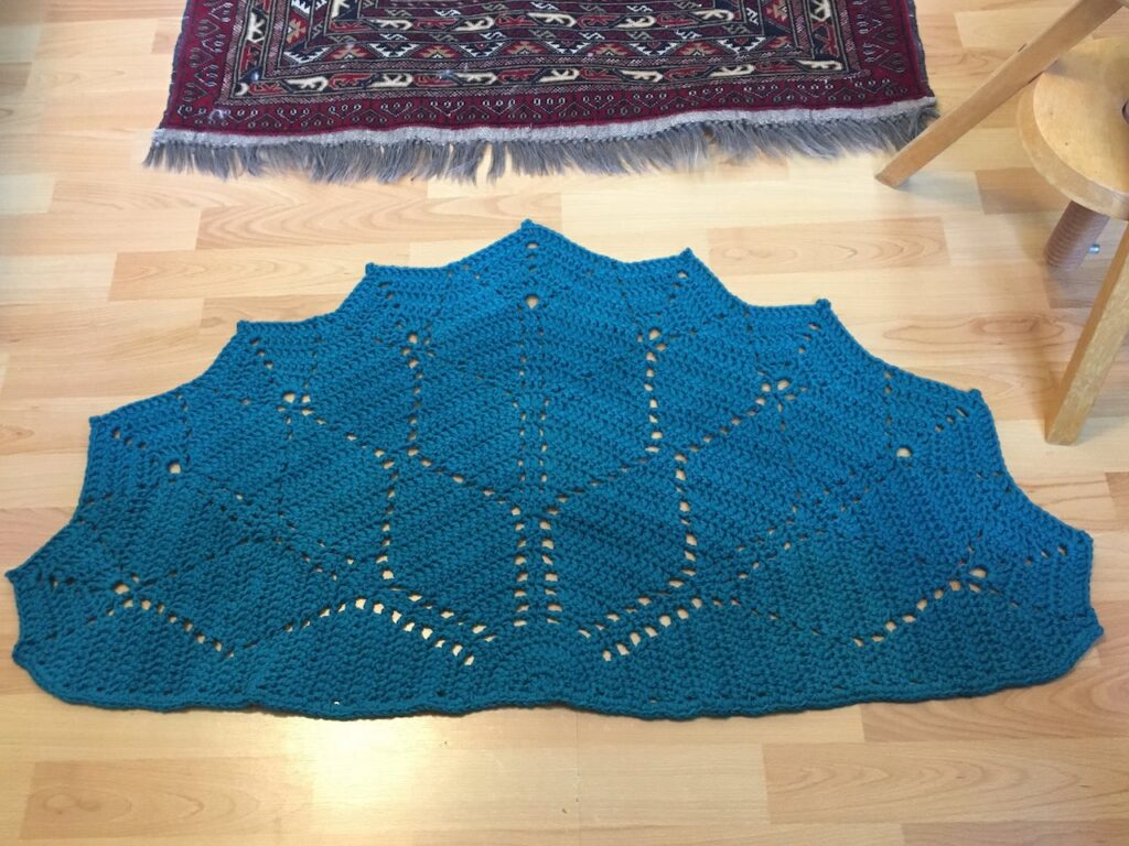 The Paved Diamonds Crochet Rug by Made by Gootie